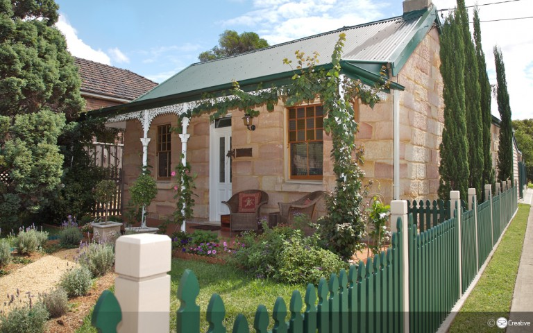 Downey Cottage 1847 - 150 year old, convict built, sandstone cottage